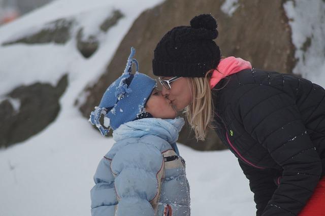 息子とキスはいつまで?虫歯がうつる?みんなの意見をまとめてみた。