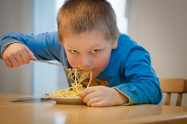 ギャル曽根「子供に大食いは遺伝する」4歳長男オドロキの食欲とは?