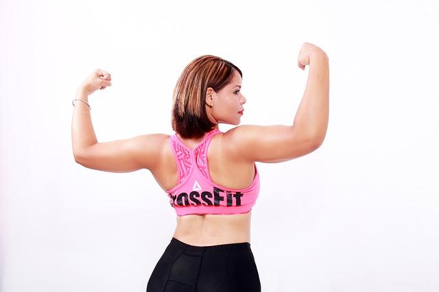 産後二の腕が太くなる原因はアノ筋肉だった!痩せる秘密テクニックとは?