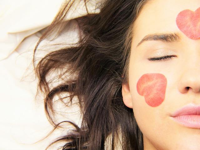 産後 卒乳後バストアップサプリ安い口コミ3選!安全&効果大は〇〇を!